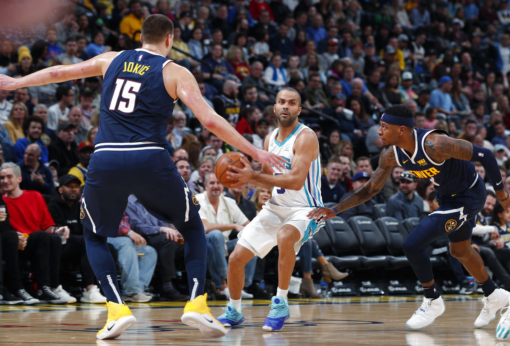 19468680c Jokic scores season-high 39 with another iconic dunk  Nuggets beat ...